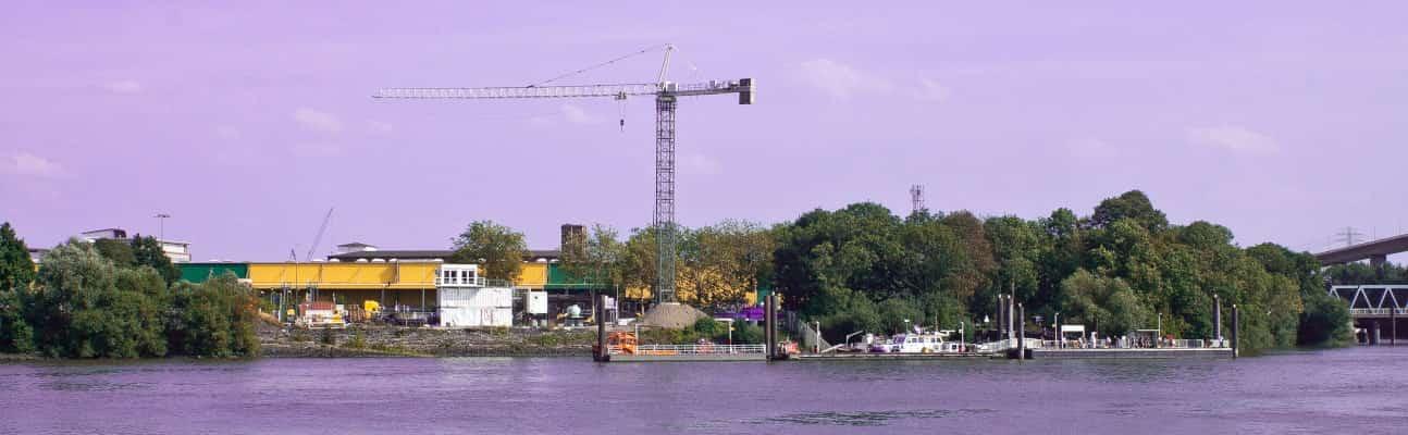 Kran Ponton-Verladung Elbe